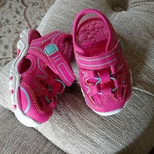 Infant girl shoe size 3